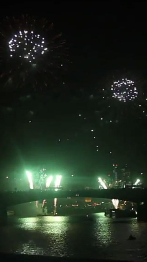 Real Fireworks Show HD 1.0